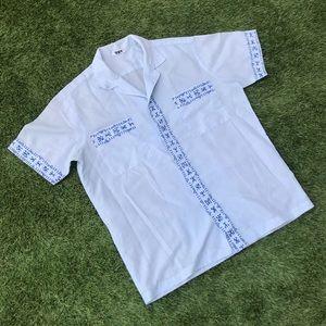 ❣️ vintage 60s button shirt blue figure print